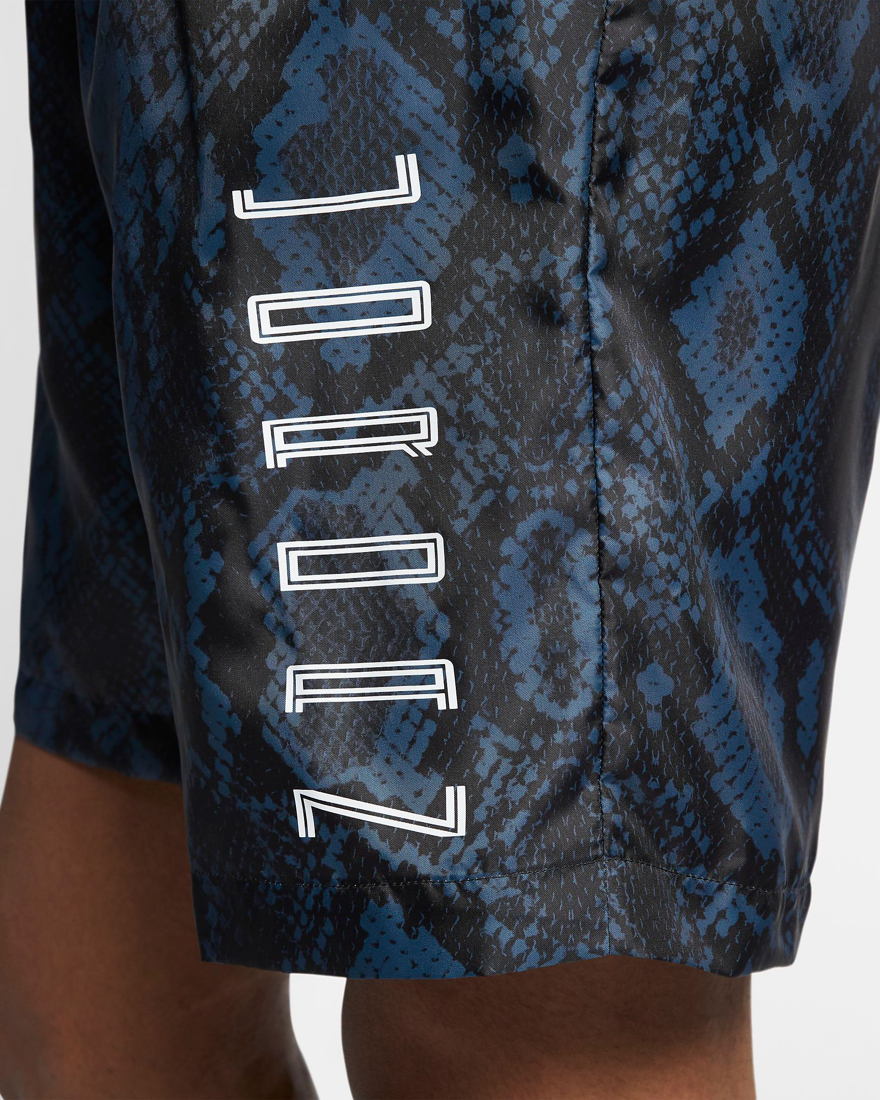 air-jordan-11-low-snakeskin-navy-blue-shorts-3