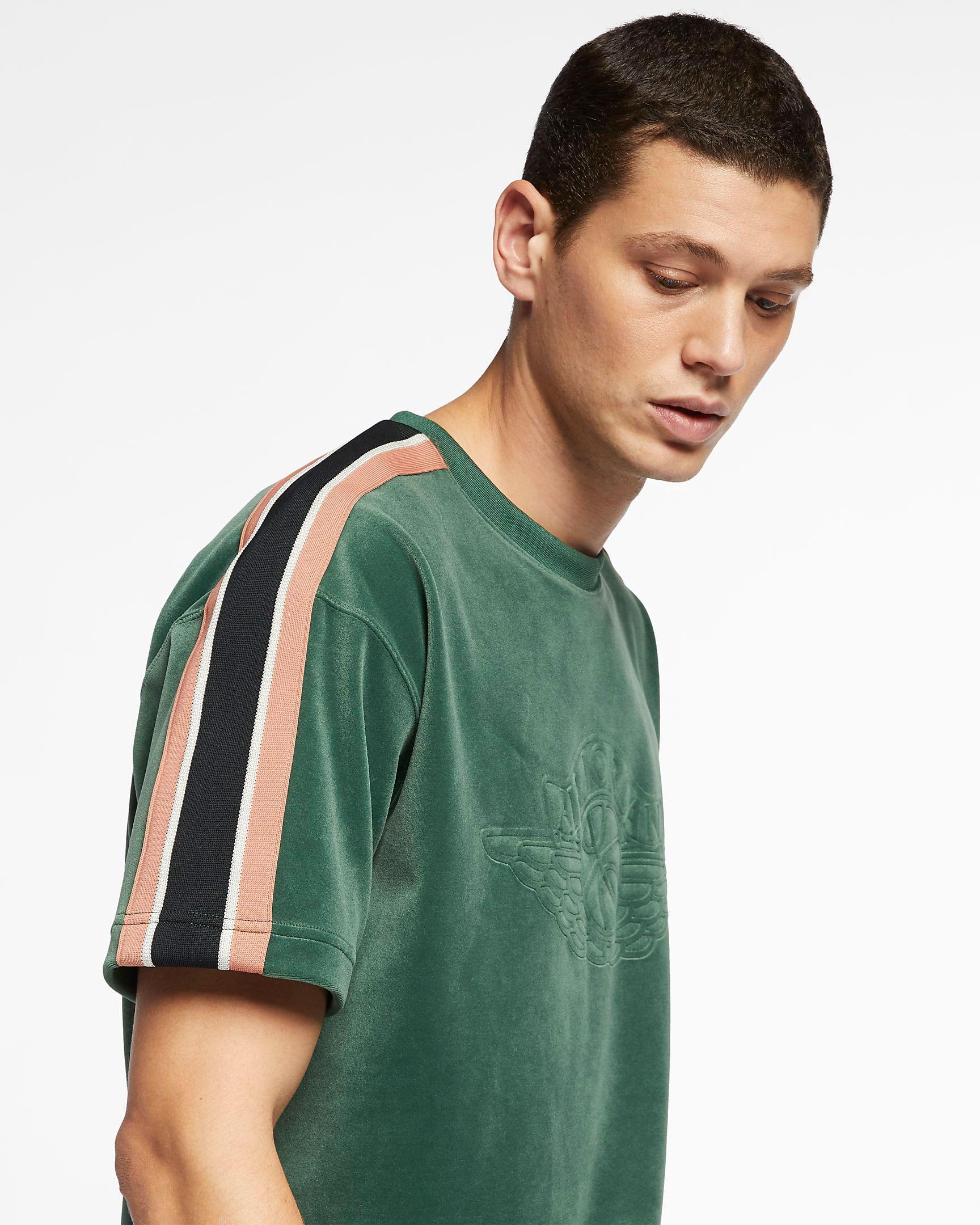 jordan-1-crimson-tint-matching-shirt-1