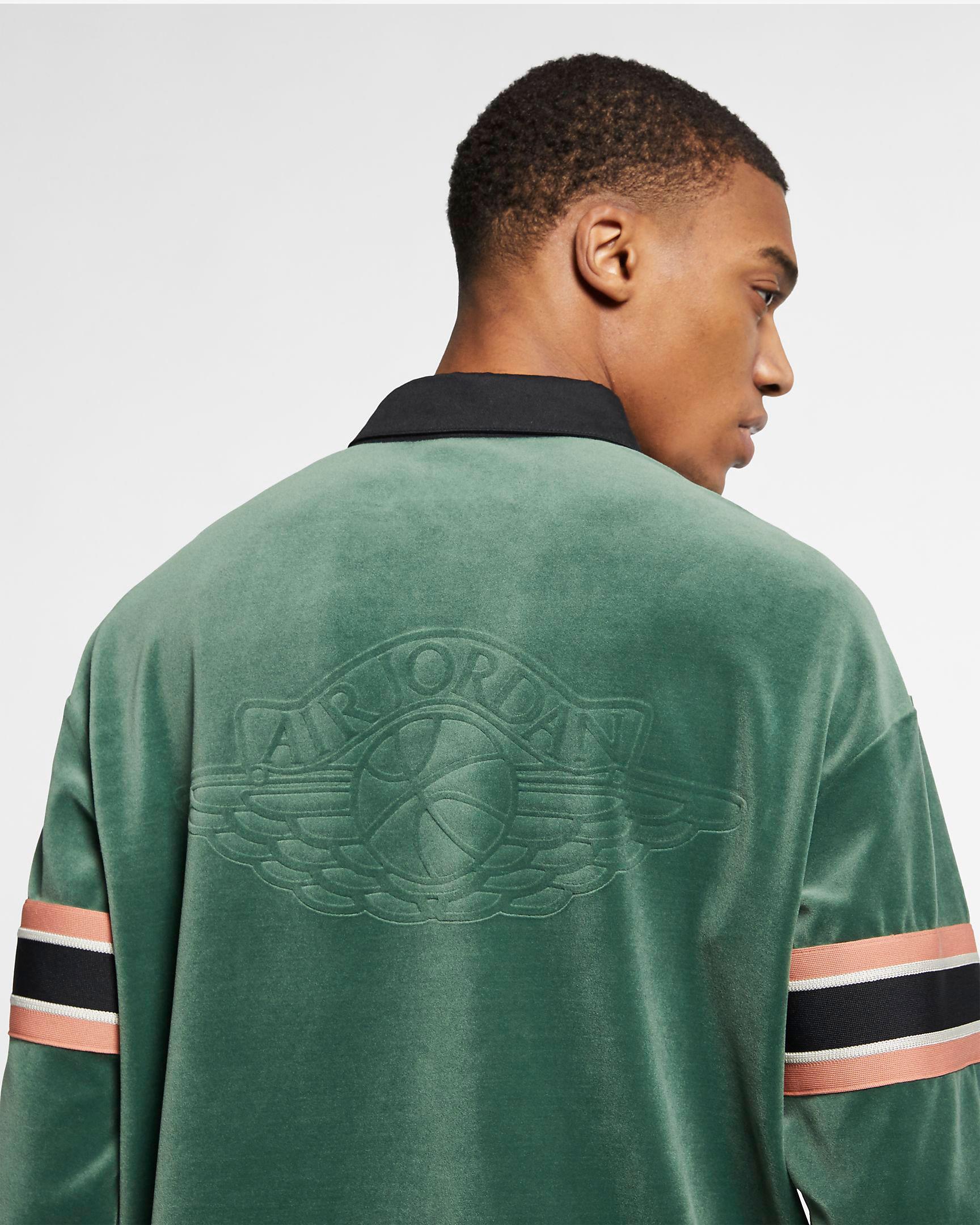 jordan-1-crimson-tint-matching-shirt-4