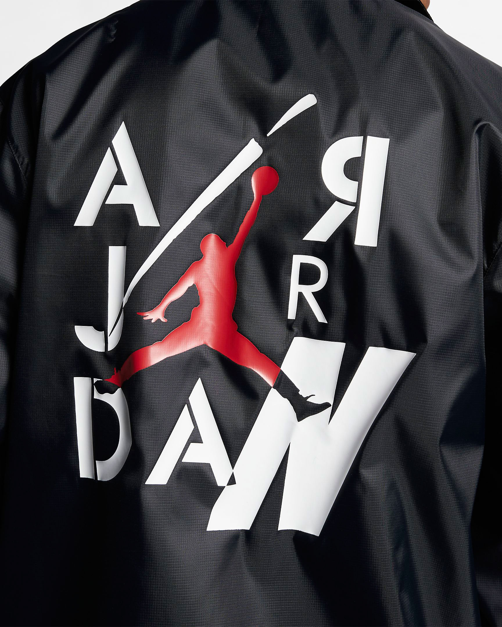 air-jordan-4-bred-2019-jacket-8