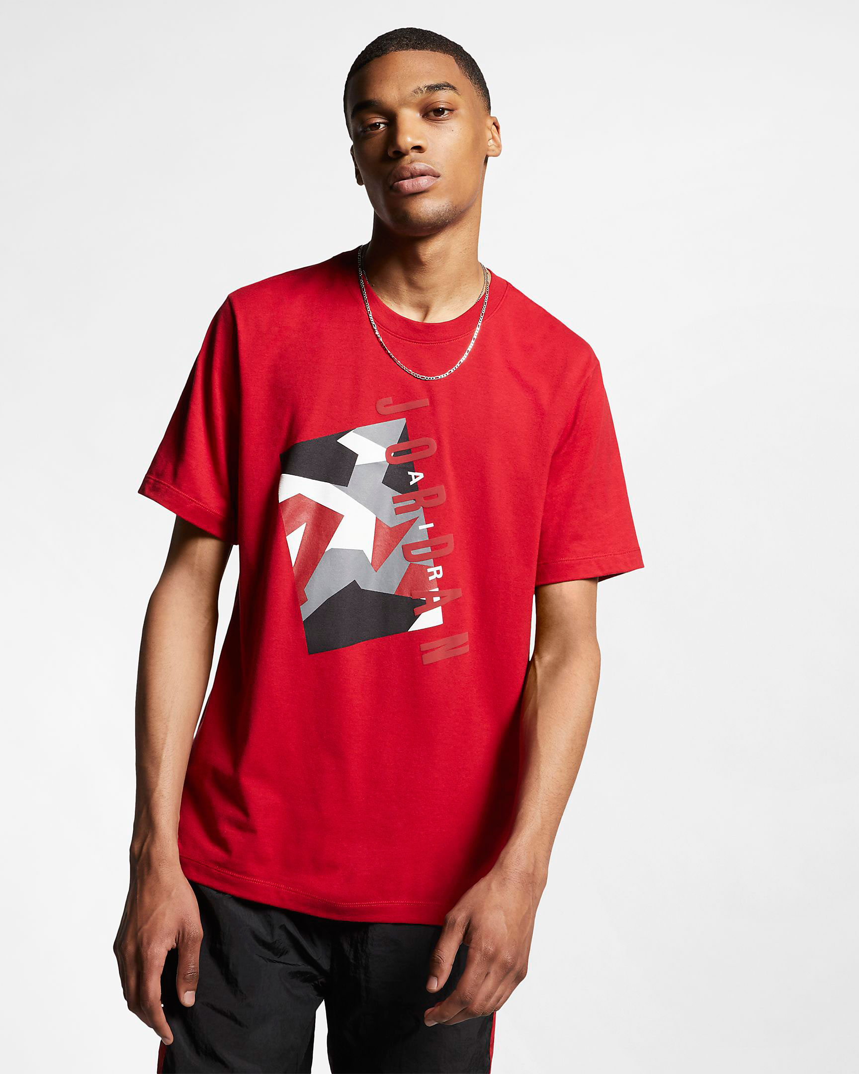 air-jordan-4-bred-2019-shirt-match-1