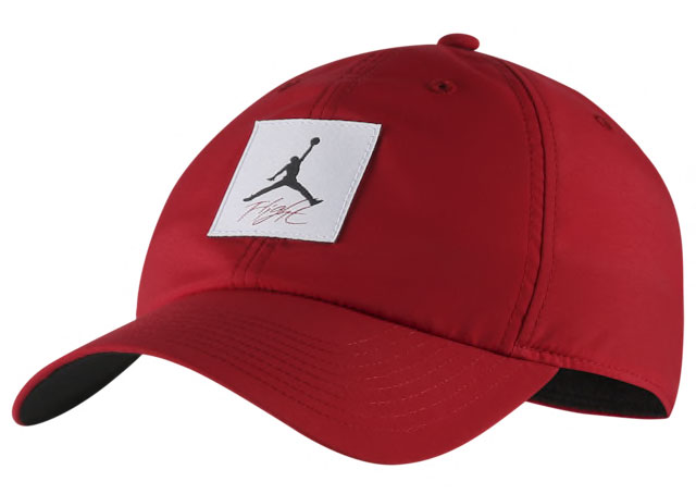 air-jordan-4-bred-nike-air-snapback-hat-1