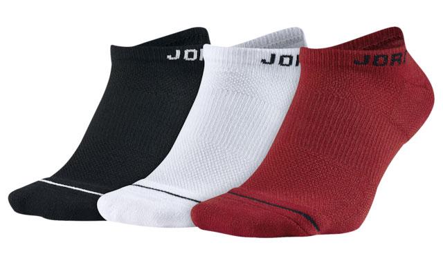 bred-jordan-4-socks