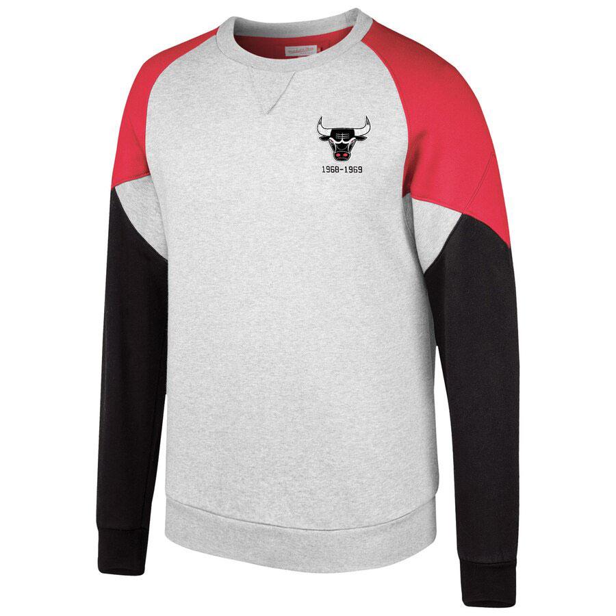 jordan-4-bred-bulls-sweatshirt-match-1