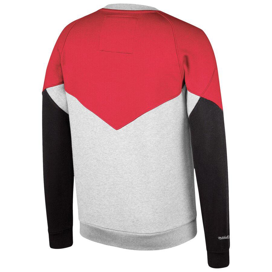 jordan-4-bred-bulls-sweatshirt-match-2