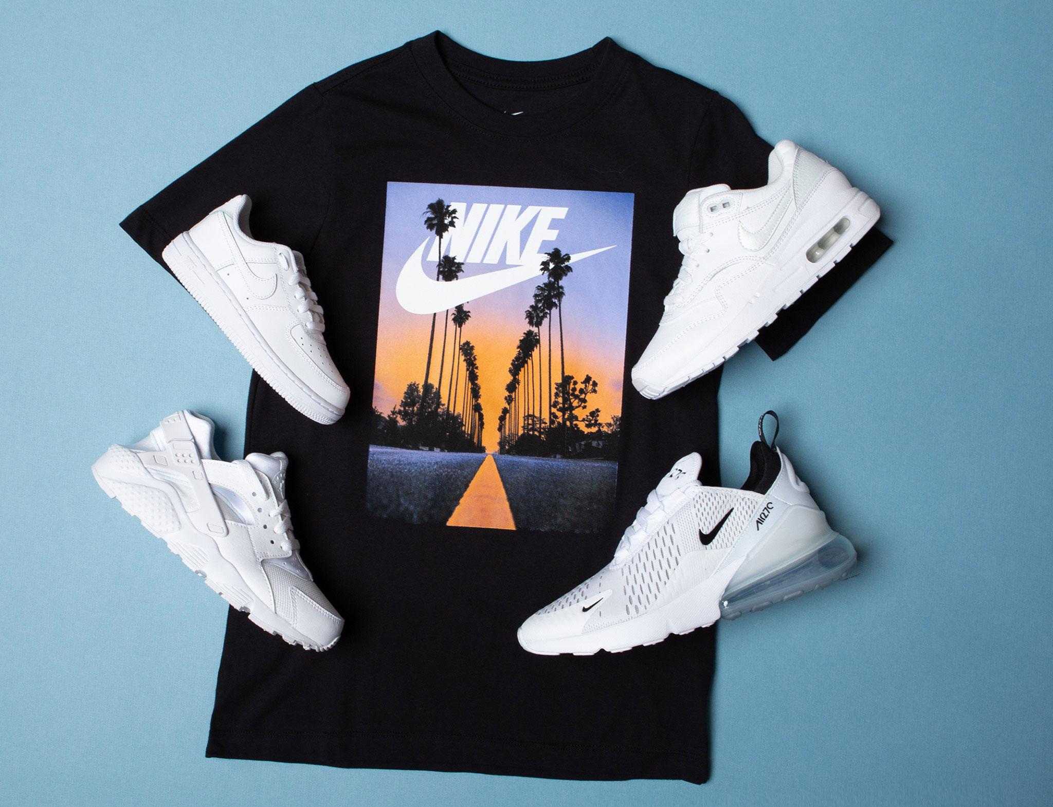 info for e113a 8b082 nike-sportswear-sunset-t-shirt-sneaker-match