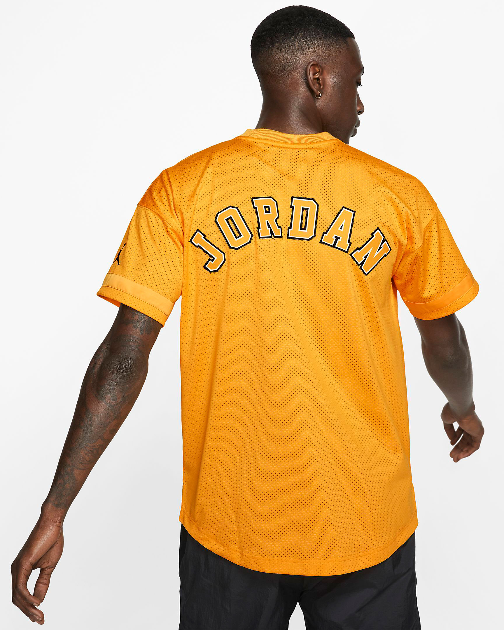 jordan-14-yellow-ferrari-jersey-shirt-match-2