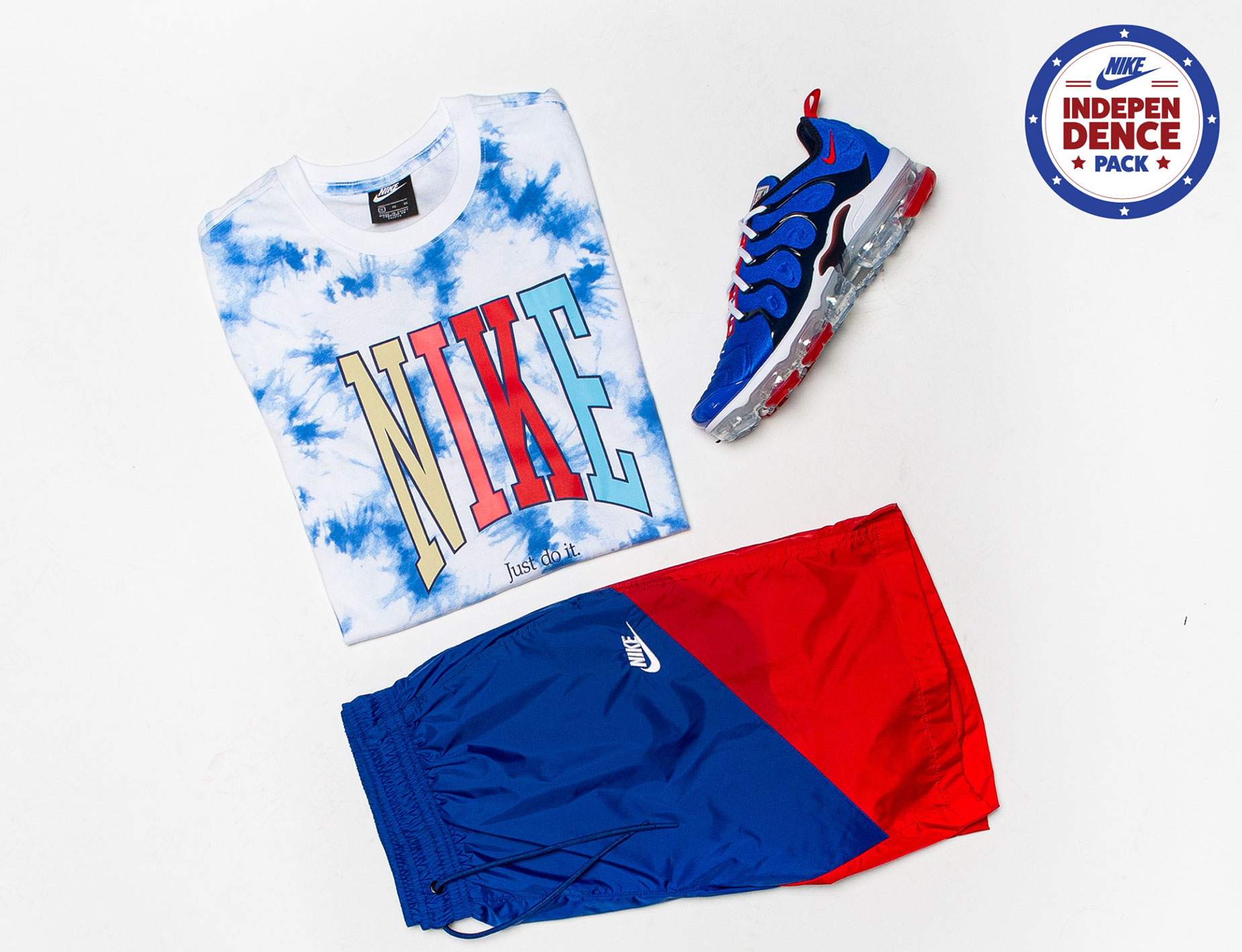 nike-air-vapormax-plus-racer-blue-americana-shirt-shorts-match