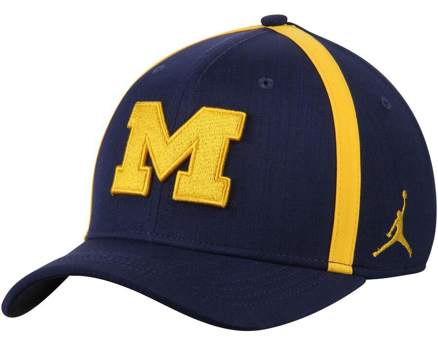 air-jordan-5-michigan-amarillo-navy-hat-match