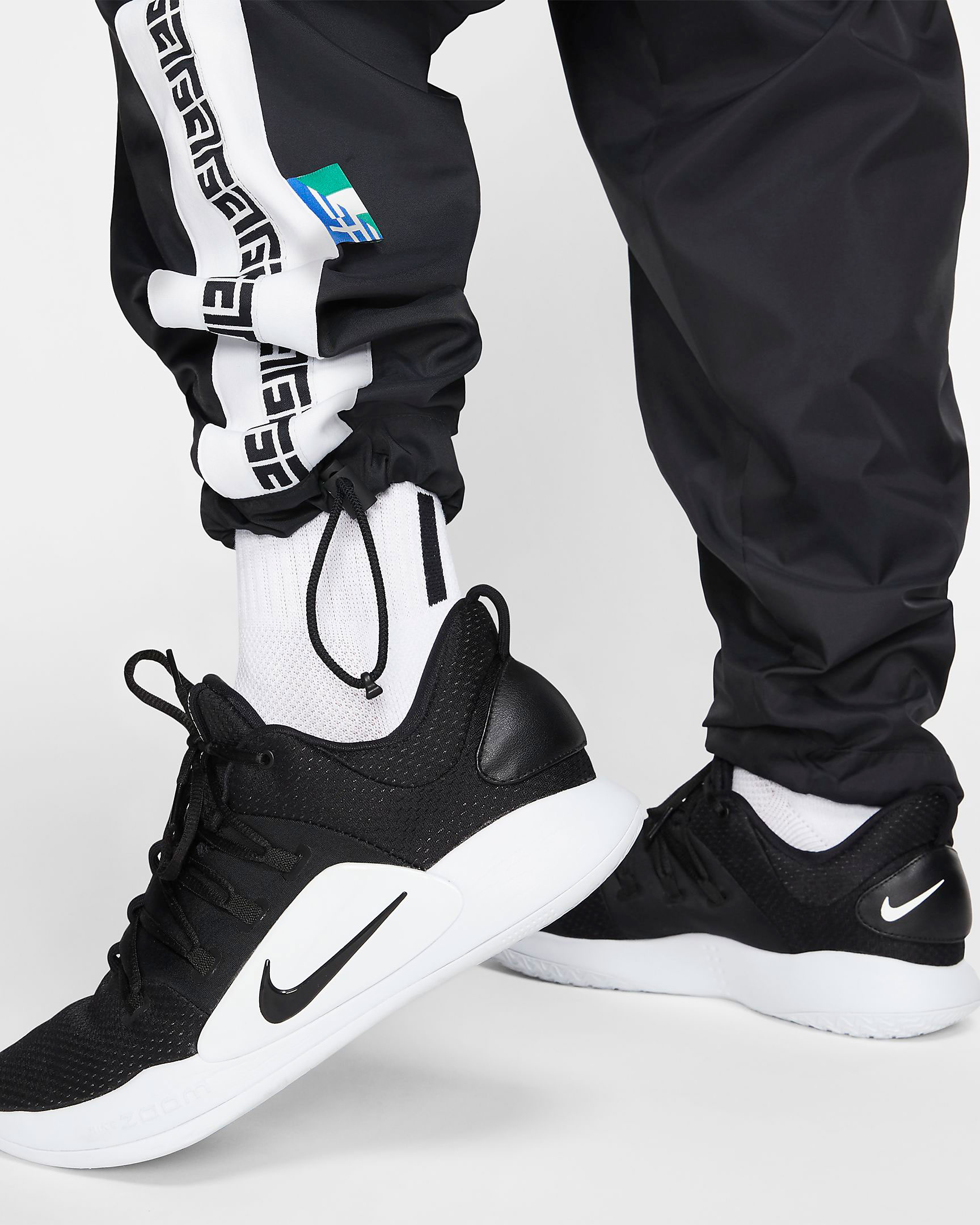 nike-zoom-freak-1-black-white-giannis-pants-2
