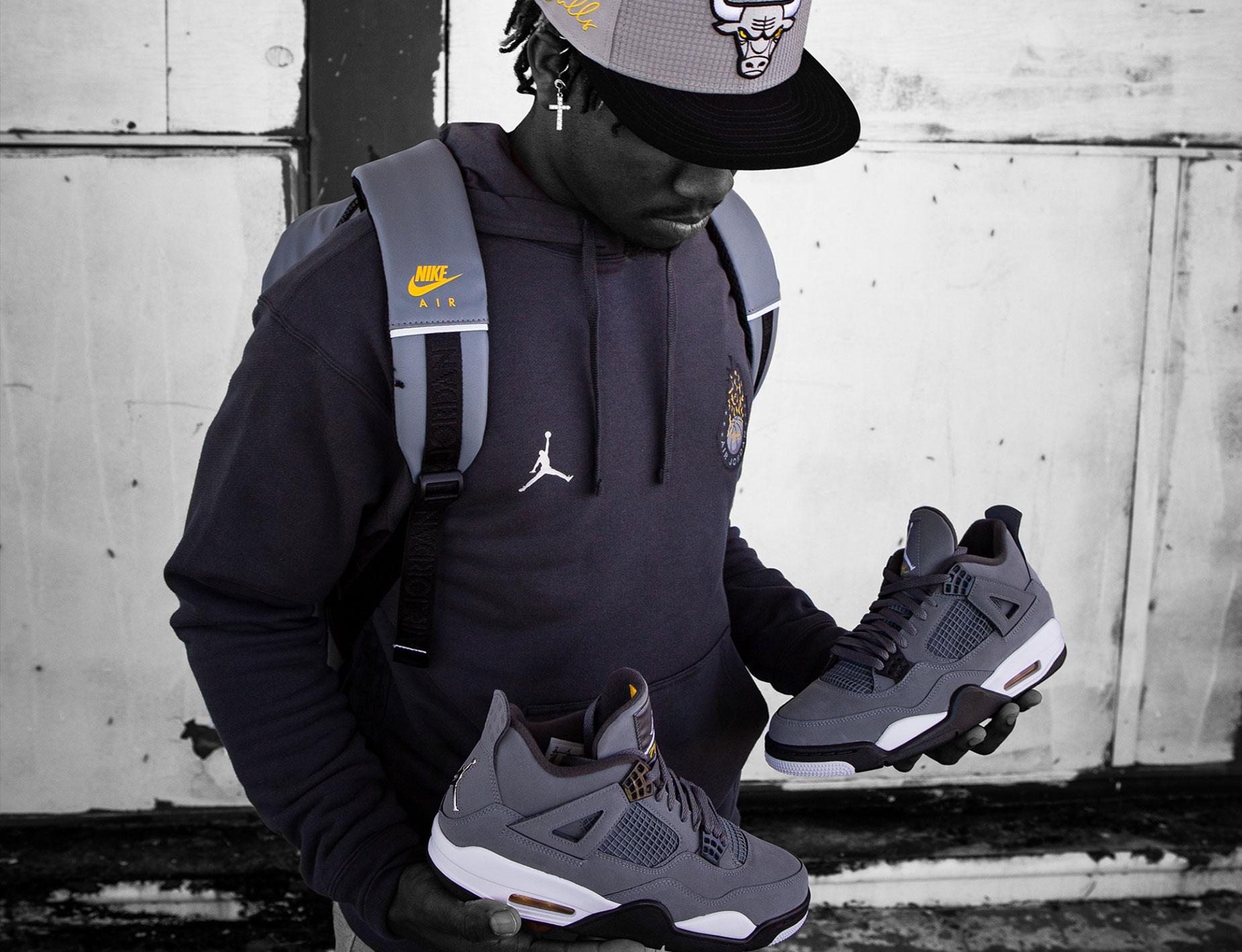 grey 4s