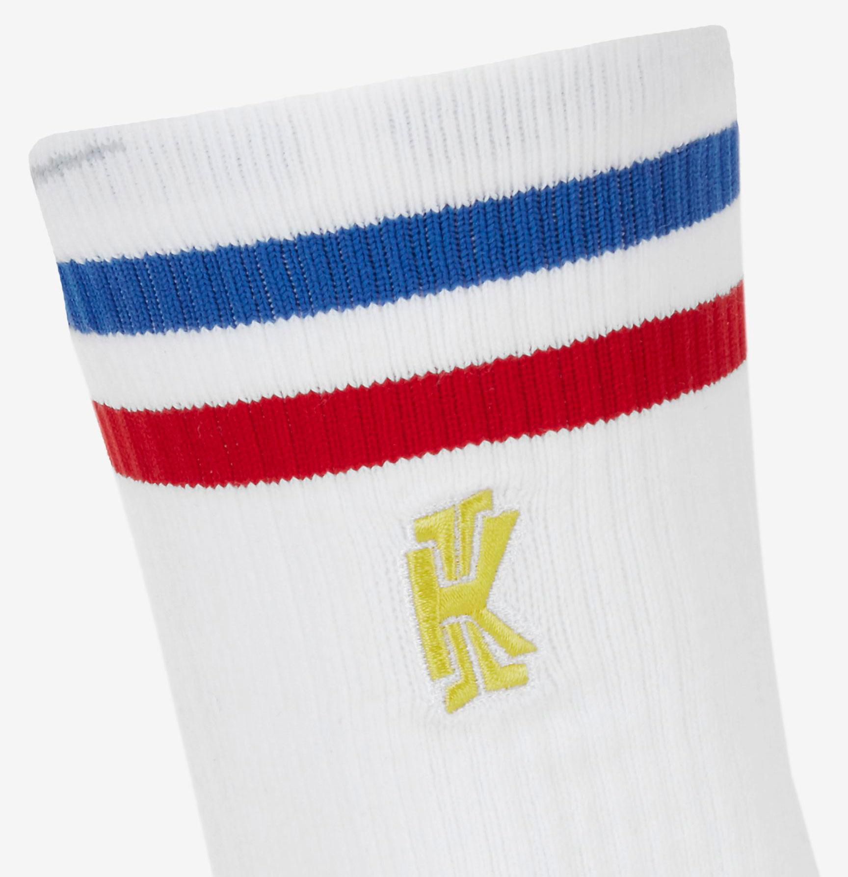 nike-kyrie-spongebob-socks-2