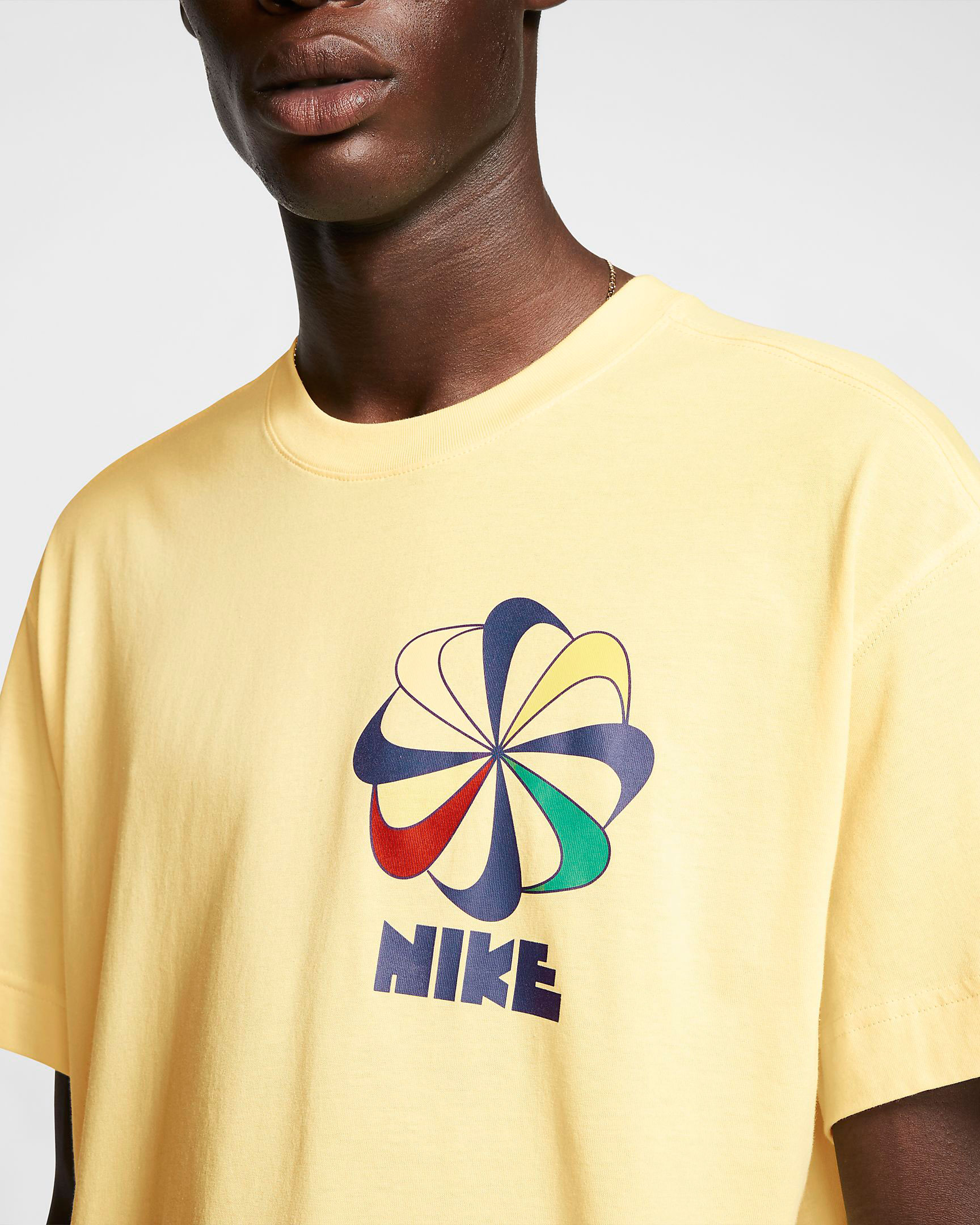 nike-sunburst-pinwheel-shirt-yellow-3