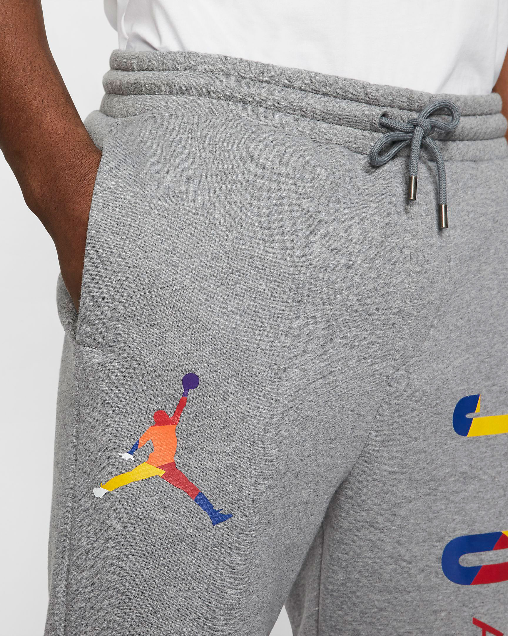 air-jordan-3-knicks-jogger-pant-match-grey-2