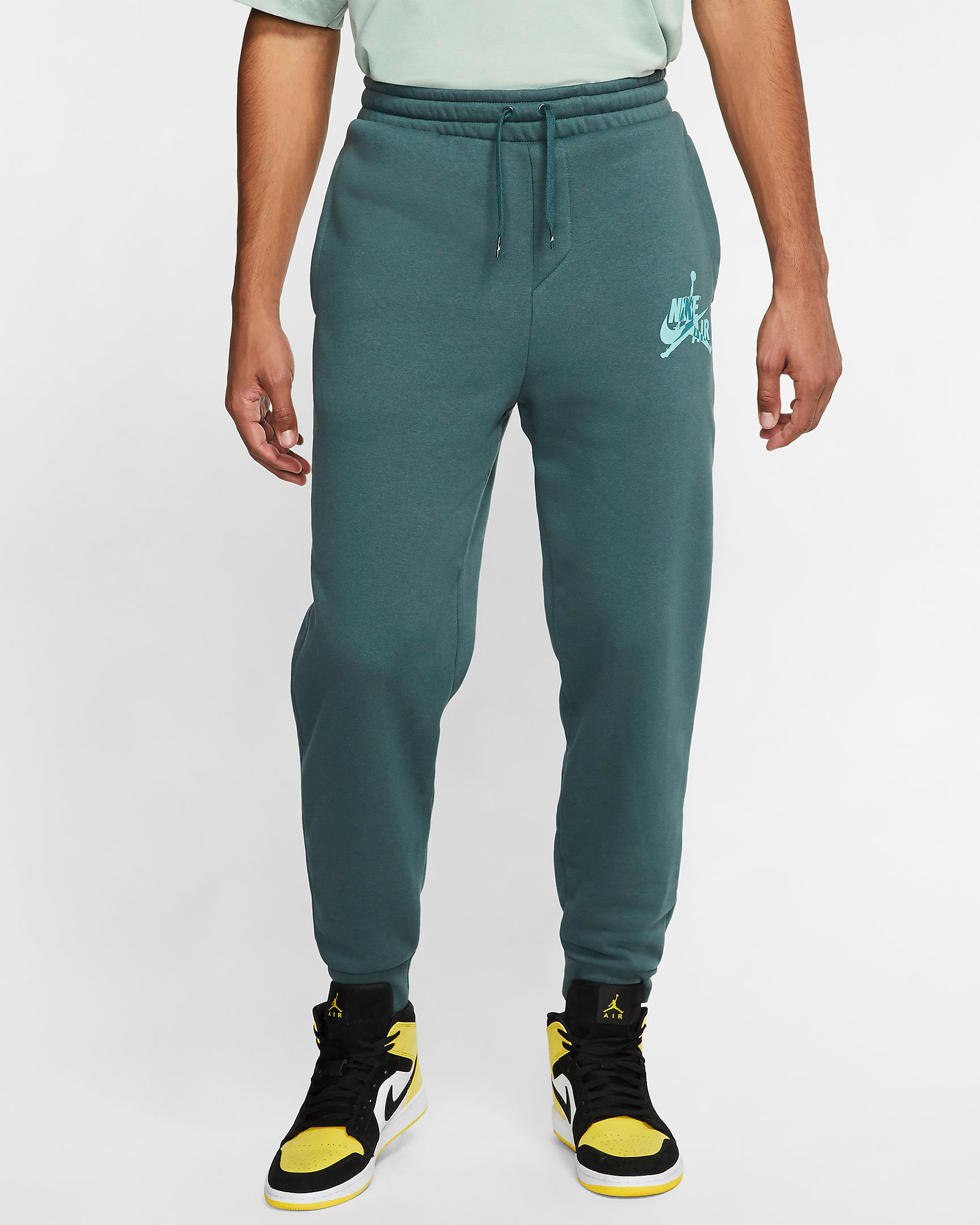 air-jordan-island-green-jogger-pants-1