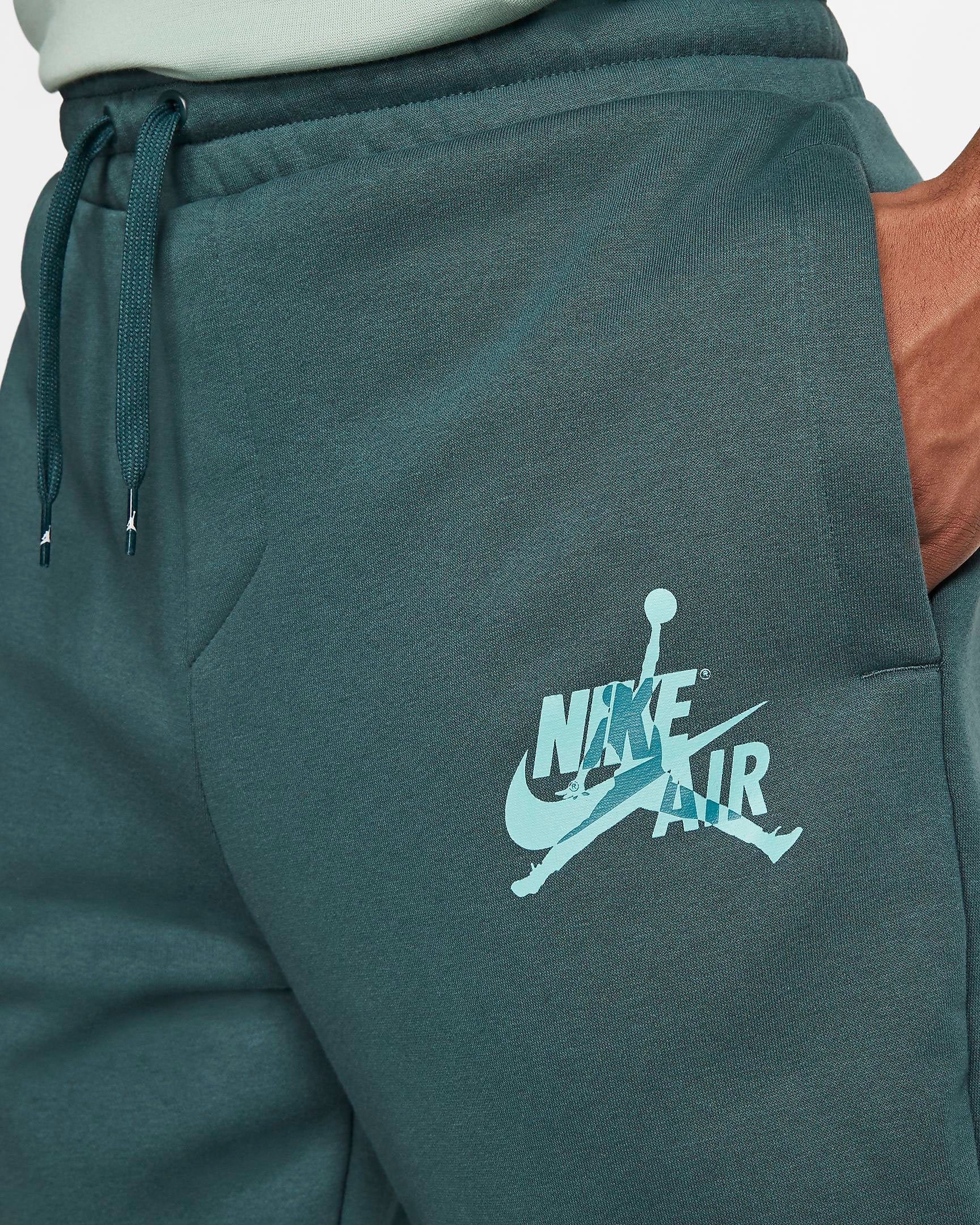 air-jordan-island-green-jogger-pants-3