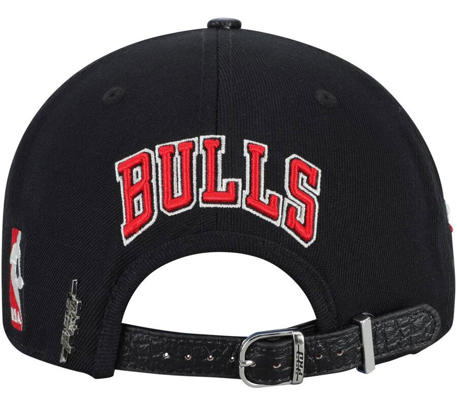 pro-standard-chicago-bulls-black-red-hat-3