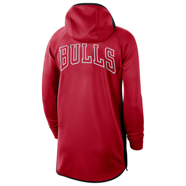 chicago-bulls-nike-showtime-hoodie-red-2