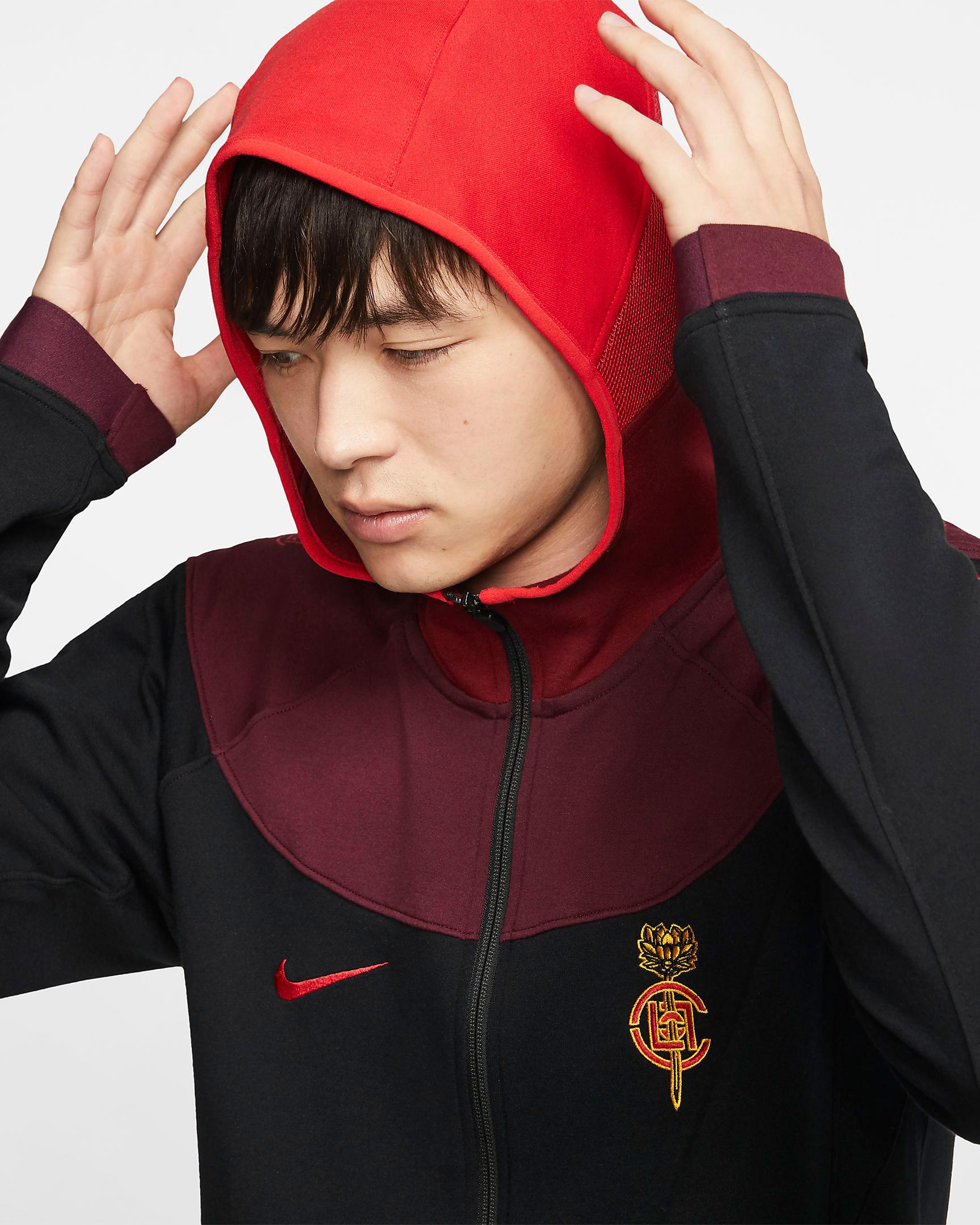 clot-air-jordan-1-mid-fearless-hoodie-3
