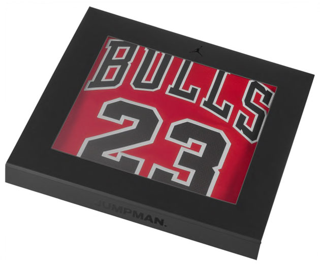 michael-jordan-authentic-23-chicago-bulls-jersey-2