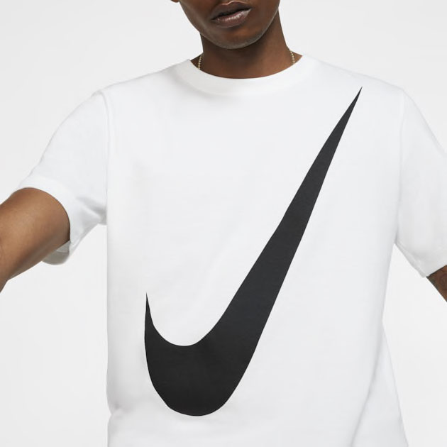 nike-foamposite-one-swoosh-shirt-match-3