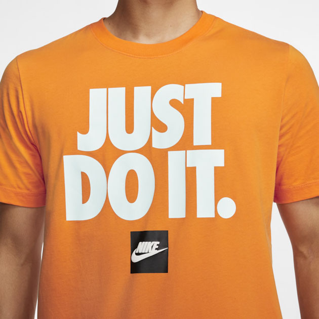 nike-foamposite-shattered-backboard-tee-shirt-match-1