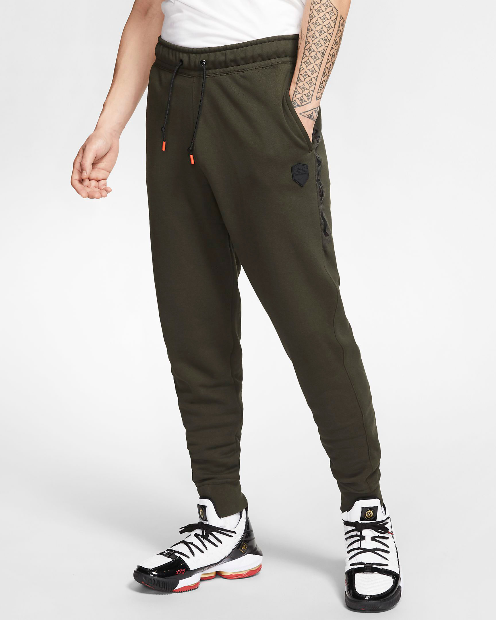 nike-lebron-17-pants-green-1