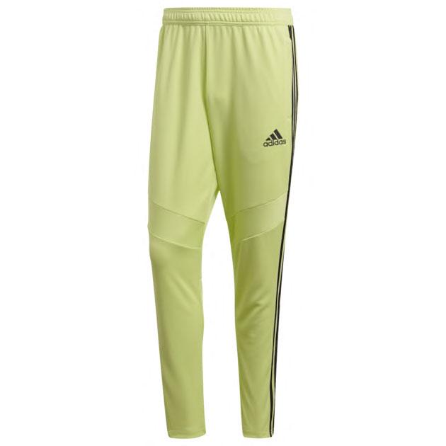 yeezy-boost-350-vs-yeezreel-pants