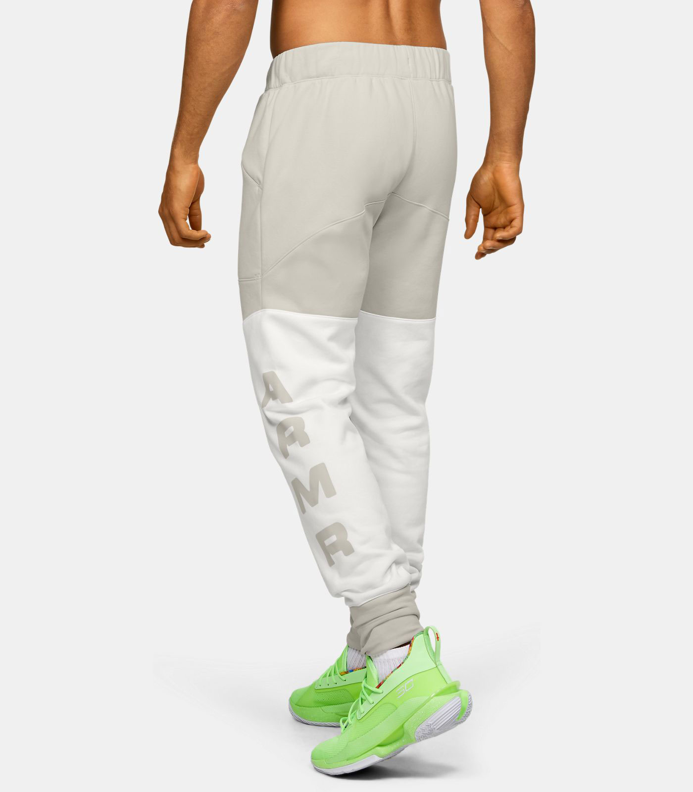 curry-7-our-history-jogger-pants-match-2
