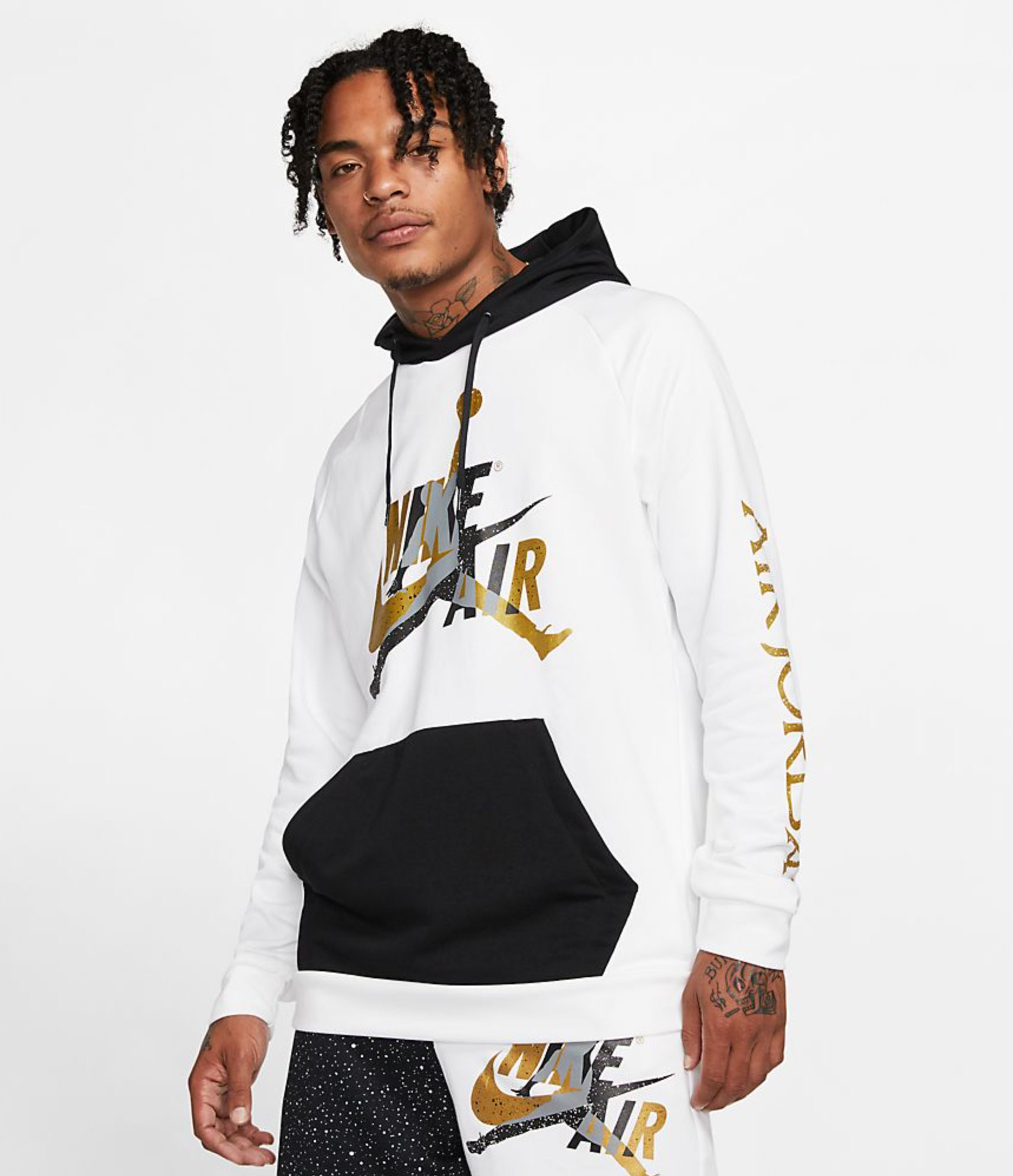 jordan-jumpman-classics-hoodie-black-white-gold