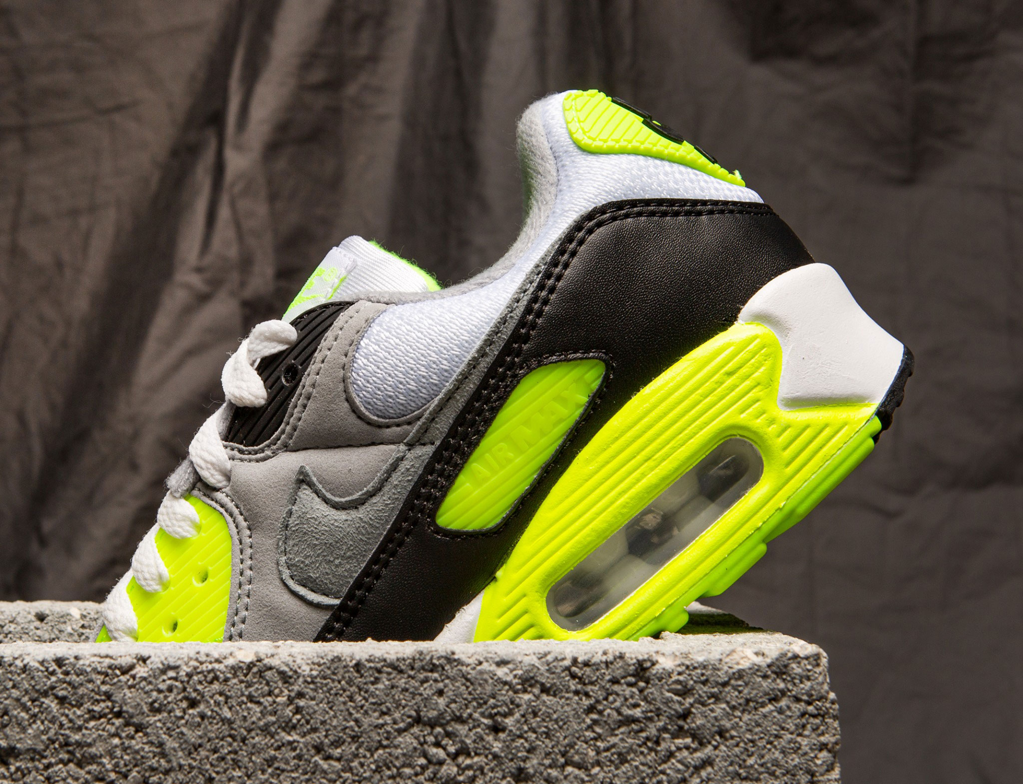 where-to-buy-nike-air-max-90-og-volt-grey