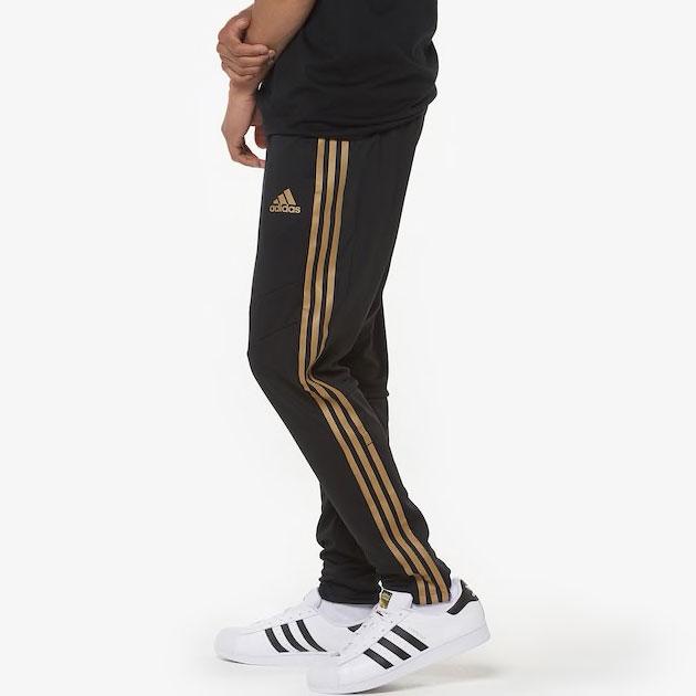 yeezy-boost-350-v2-marsh-pants-match-1