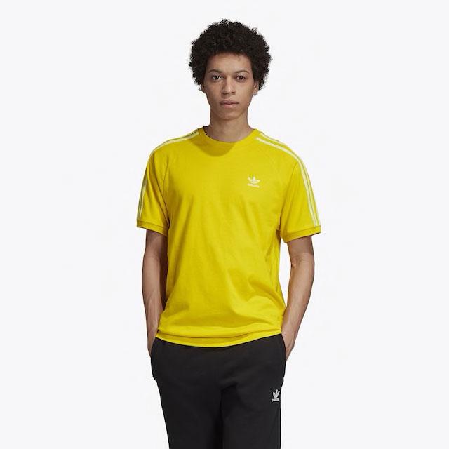 yeezy-boost-350-v2-marsh-yellow-shirt-1