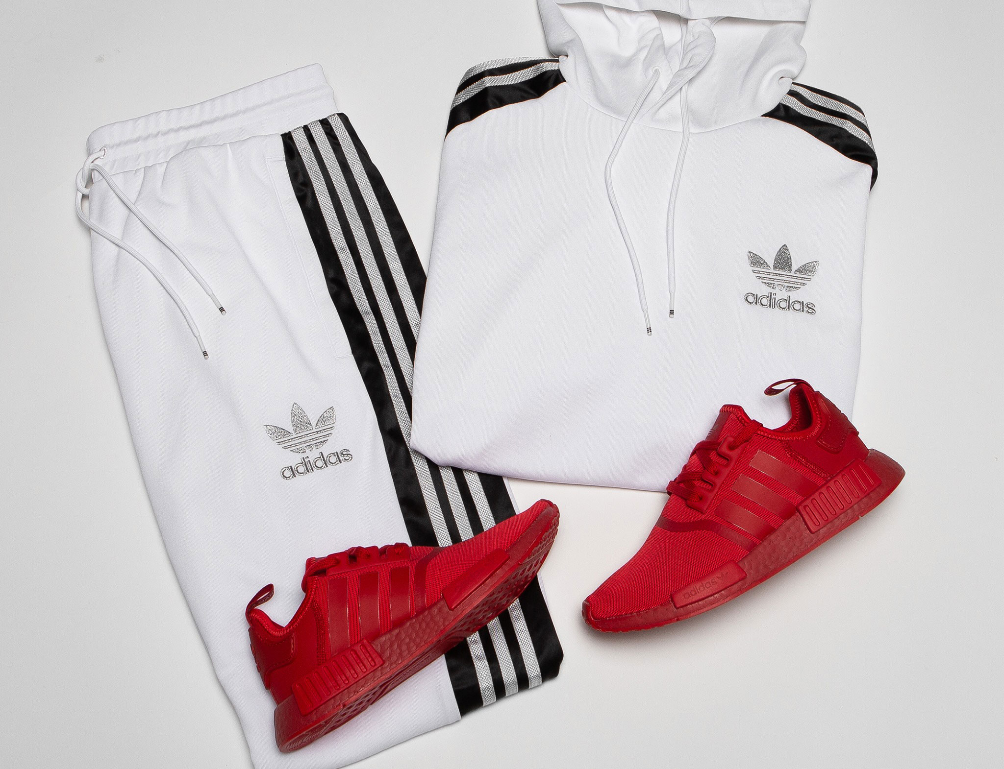 adidas-nmd-triple-red-clothing-match
