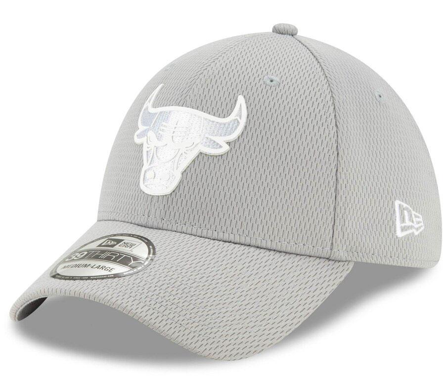 jordan-1-mid-disco-ball-bulls-silver-flex-hat-1