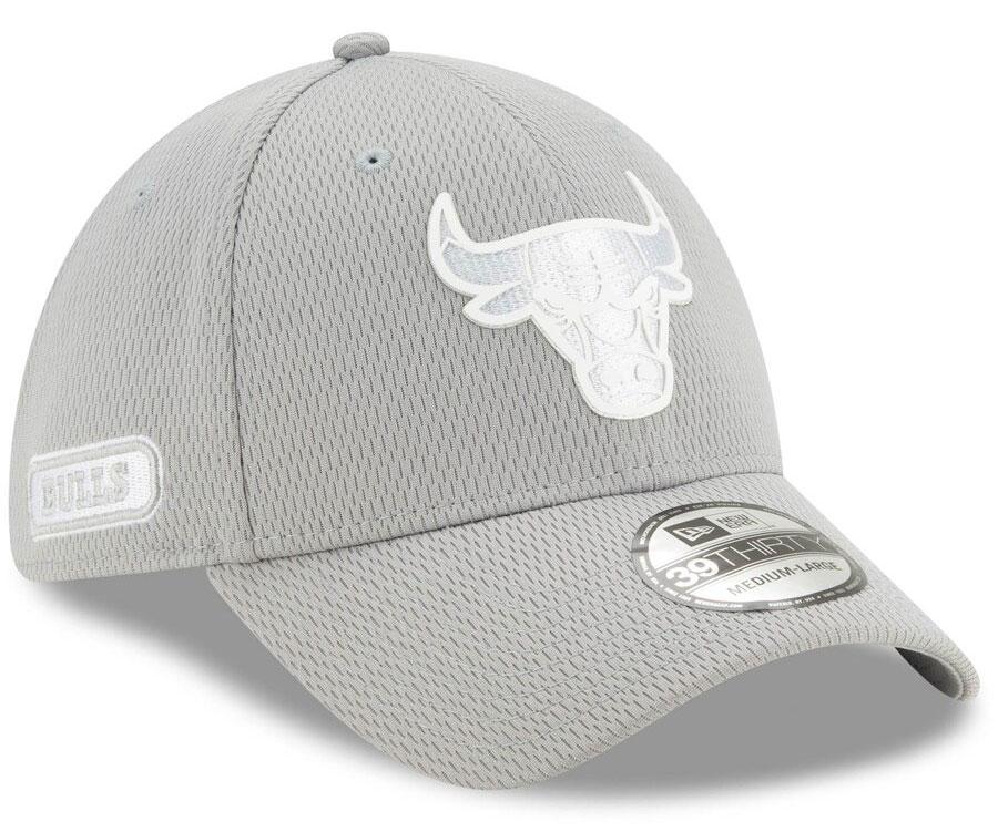 jordan-1-mid-disco-ball-bulls-silver-flex-hat-2