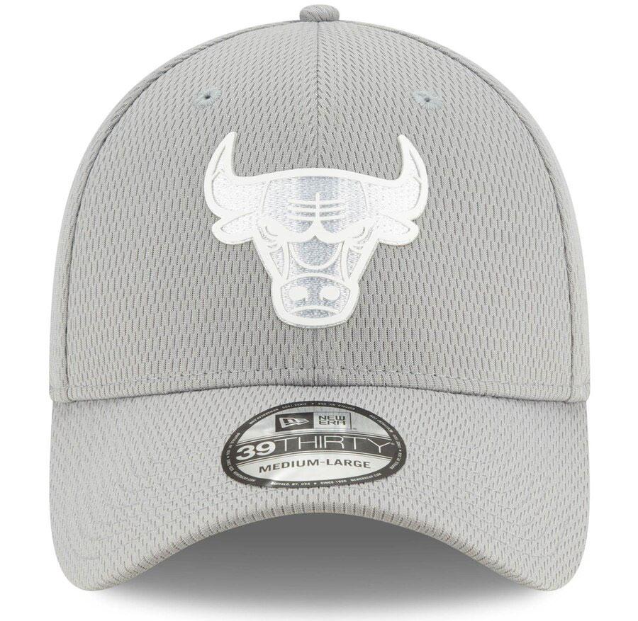 jordan-1-mid-disco-ball-bulls-silver-flex-hat