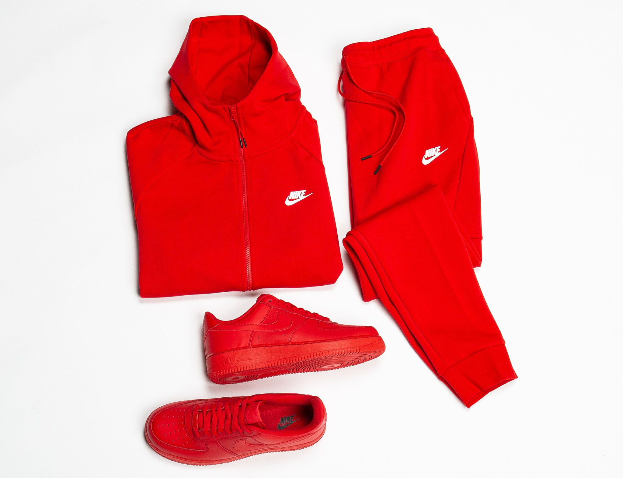 nike-air-force-1-triple-red-clothing-match