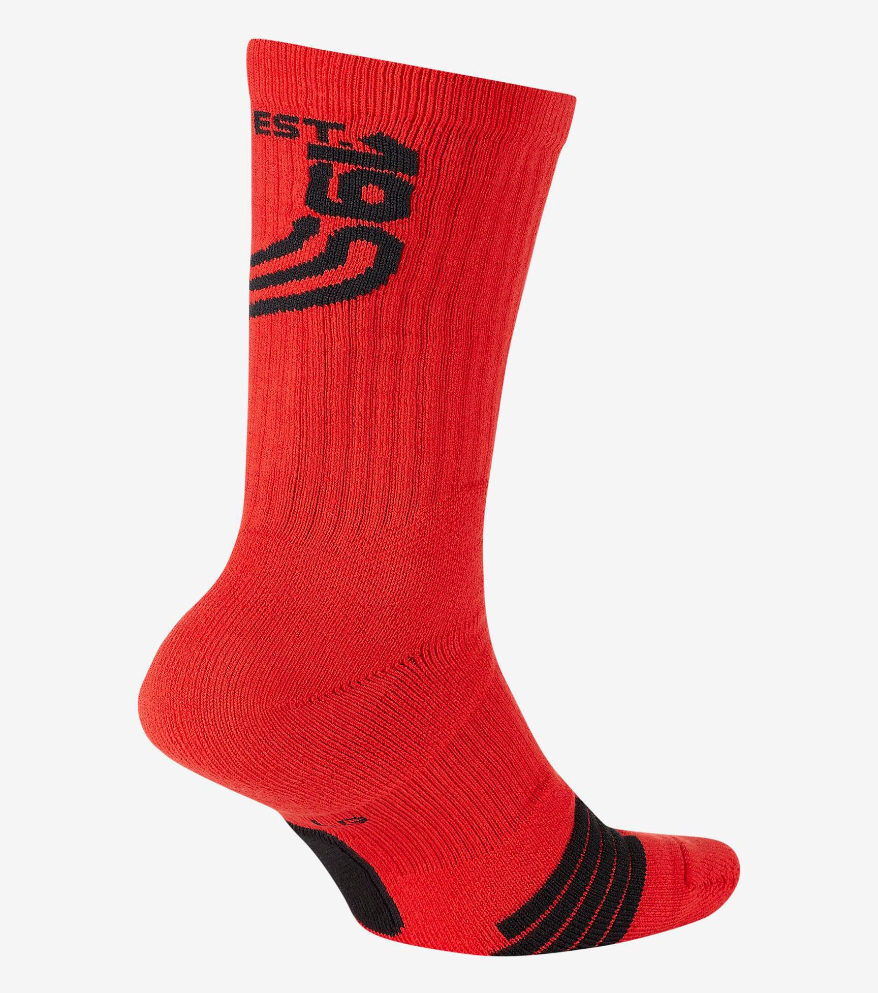 nike-kyrie-6-trophies-socks-2