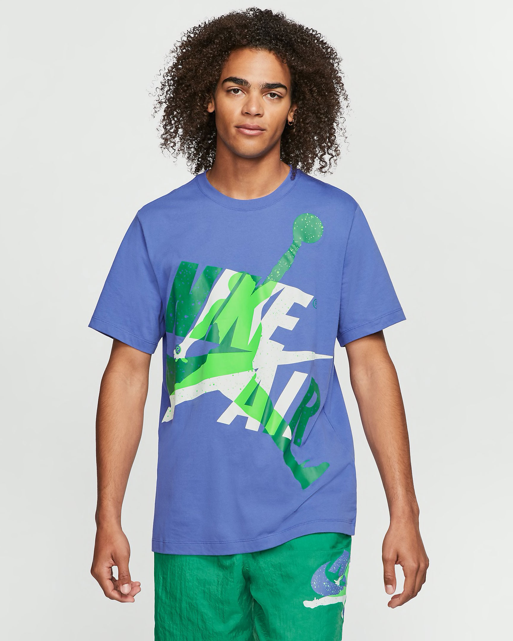 air-jordan-1-mid-hulk-tee-shirt