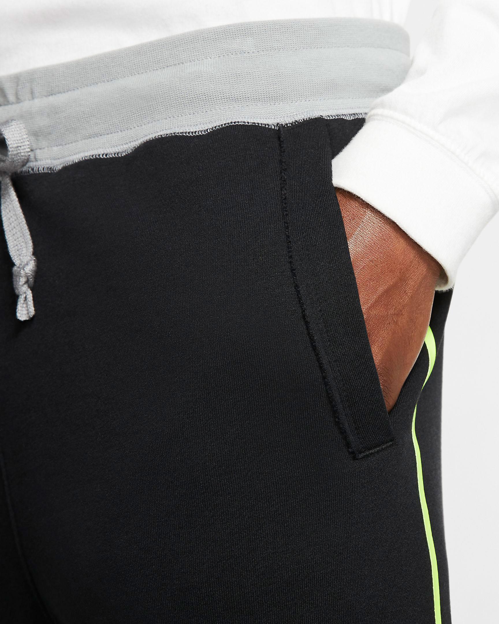 air-jordan-4-neon-nike-black-volt-shorts-2
