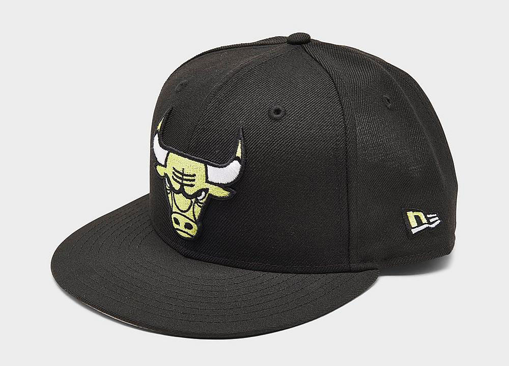 air-jordan-4-neon-volt-bulls-hat