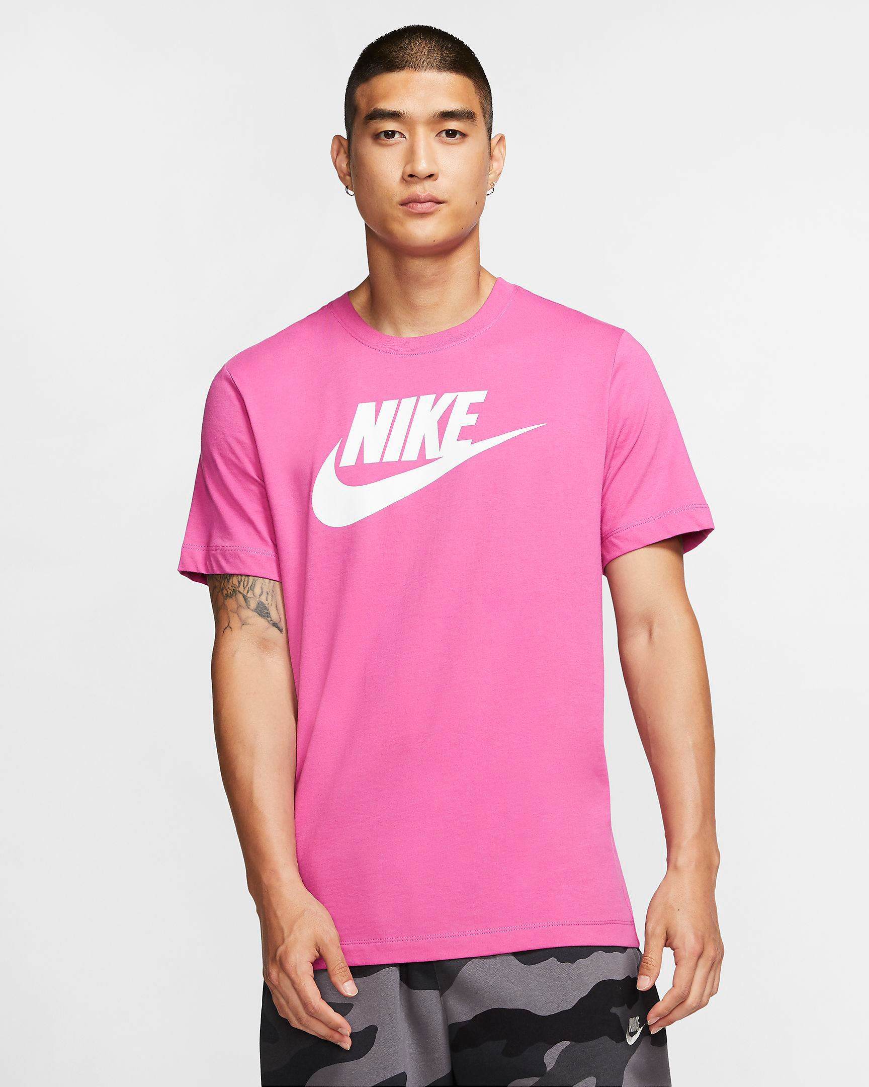 nike-sportswear-logo-shirt-pink-fuschia