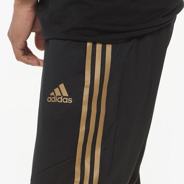 yeezy-boost-350-v2-cinder-jogger-match-black-gold-1