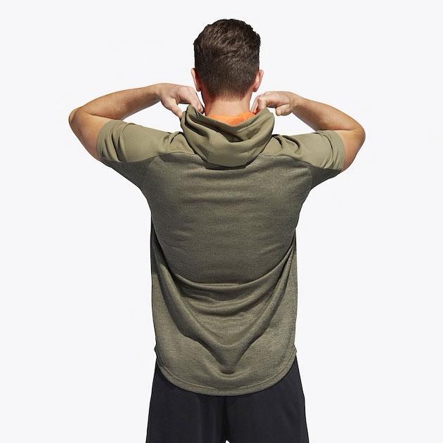 yeezy-boost-350-v2-desert-sage-green-adidas-hoodie-match-2