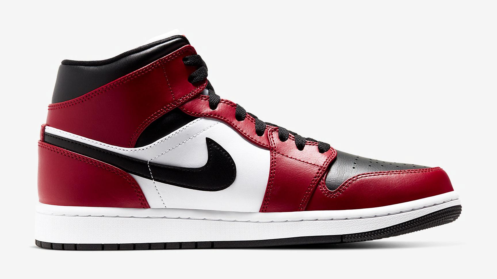 air-jordan-1-mid-chicago-black-toe-3
