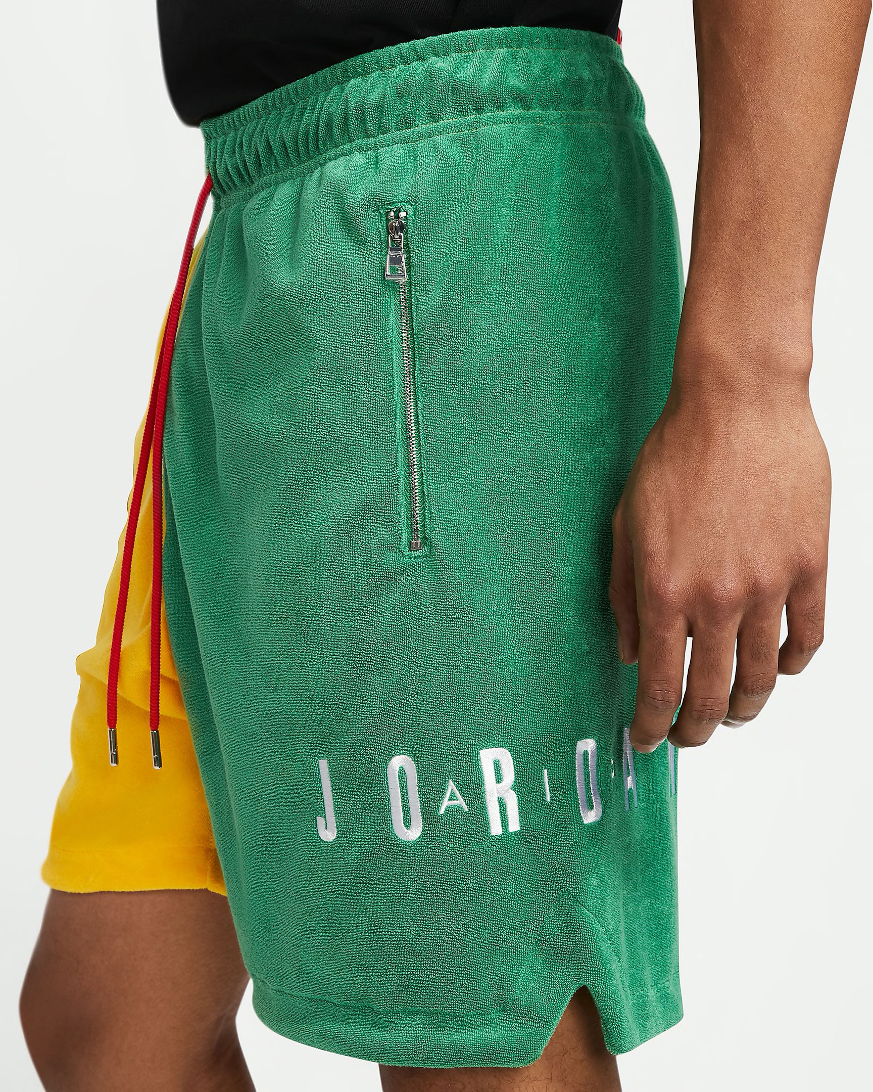 air-jordan-1-mid-nike-hoops-shorts-match-4