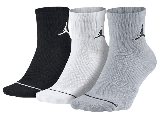 air-jordan-13-flint-grey-socks
