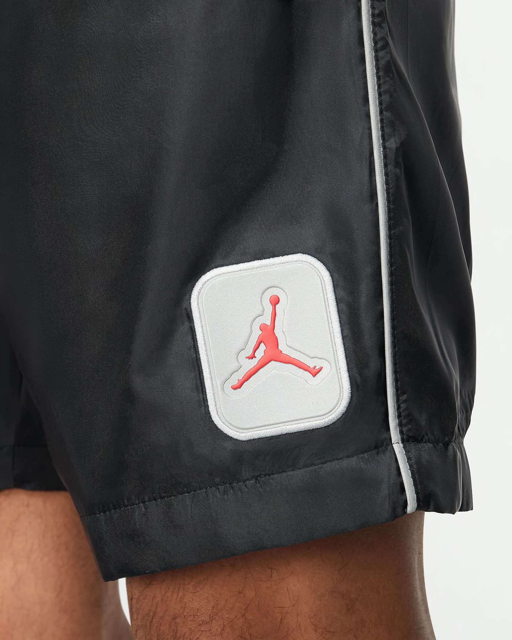 air-jordan-5-fire-red-reflective-shorts-4