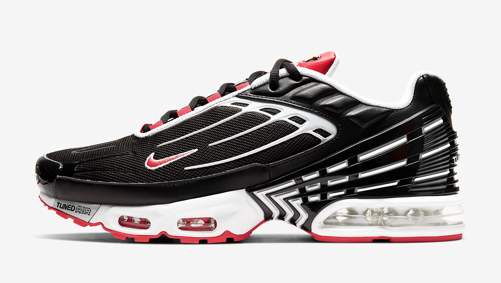 nike-air-max-plus-3-black-white-track-red-release-date